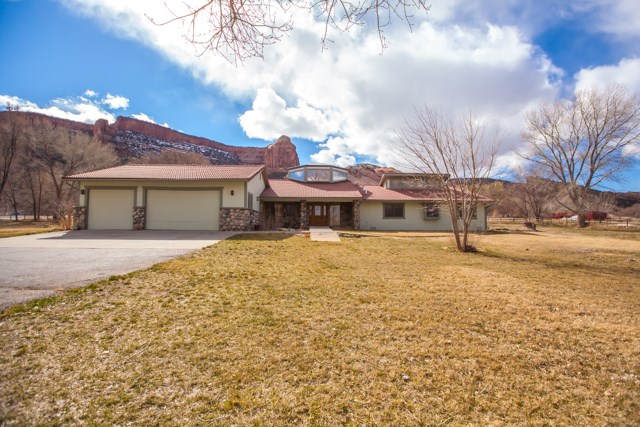 1916 Monument Canyon Drive, Grand Junction, CO 81507