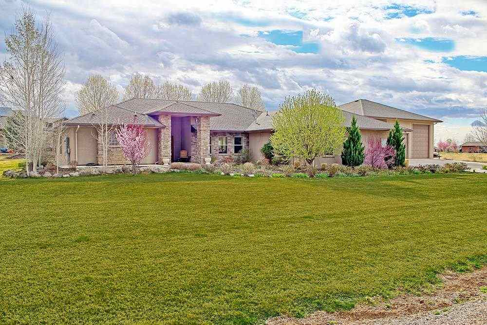 946 25 5/8 Road, Grand Junction, CO 81505