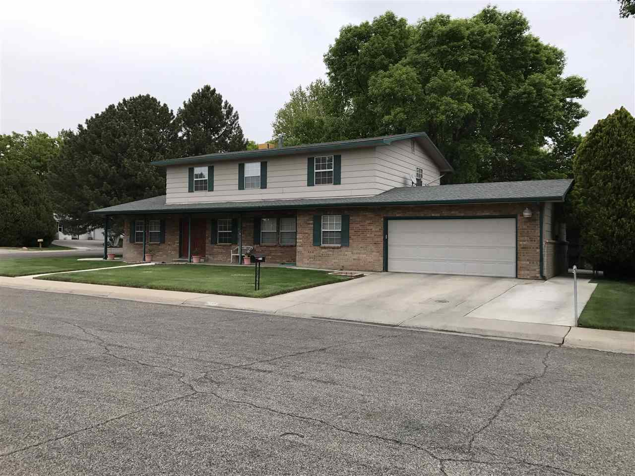 2714 N 8th Court, Grand Junction, CO 81506