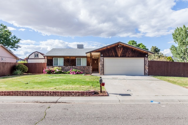 3016 Country Road, Grand Junction, CO 81504