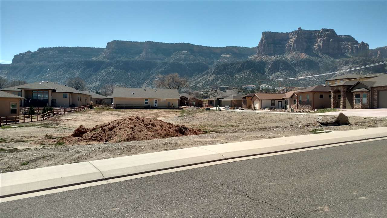 2084 Two Wood Drive, Grand Junction, CO 81507