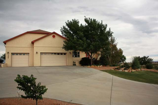1307 Gold Lake Drive, Loma, CO 81524