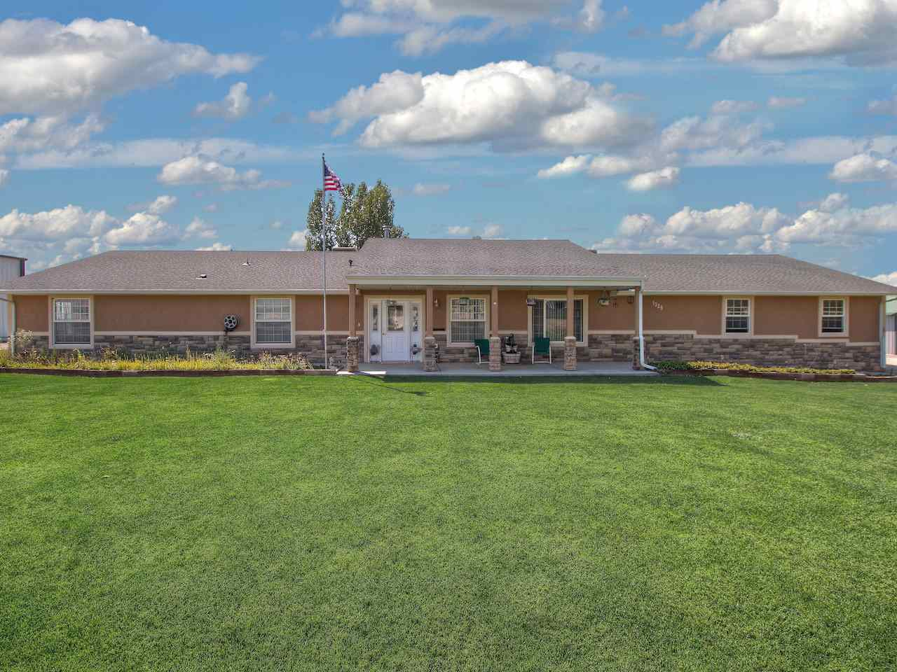 1329 Q Road, Loma, CO 81524