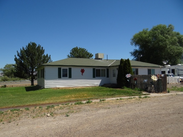 1098 21 1/2 Road, Grand Junction, CO 81505