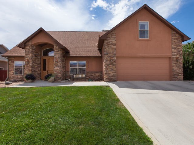 719 1/2 Willow Creek Road, Grand Junction, CO 81505