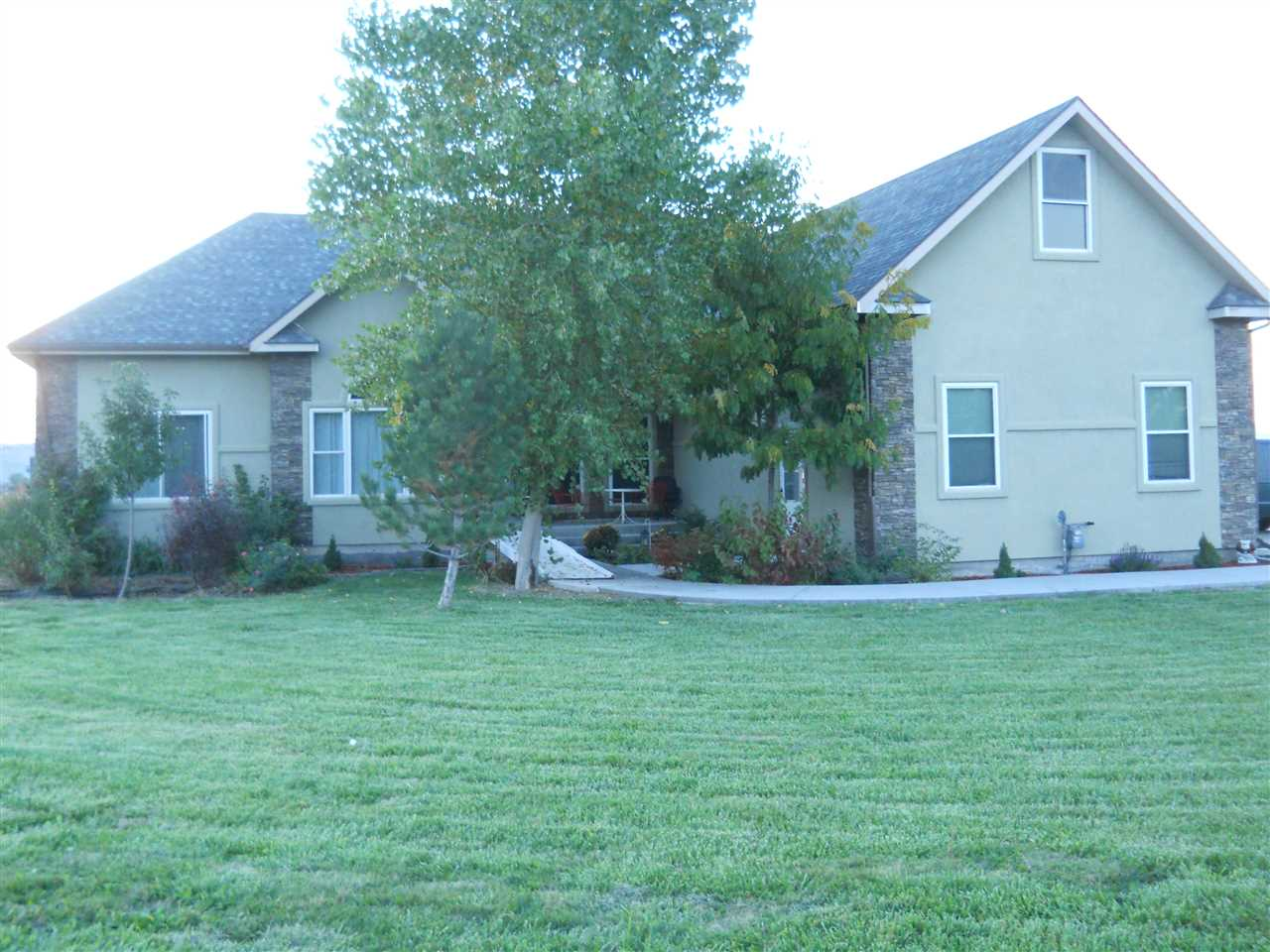 915 22 1/2 Road, Grand Junction, CO 81505