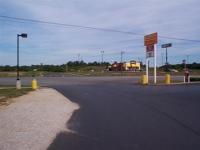 813A E Dixie Highway, ELIZABETHTOWN, KY 42701