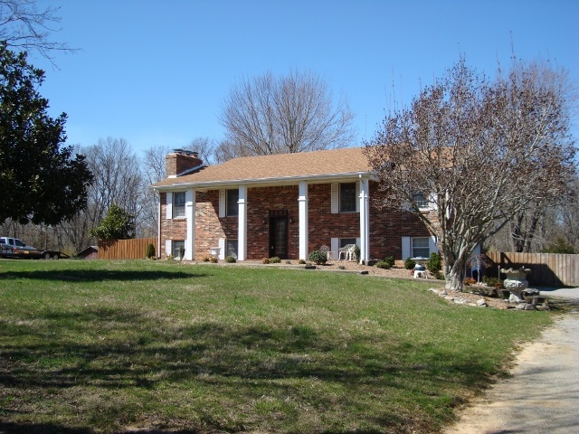 2117 Rogersville Road, RADCLIFF, KY 40160