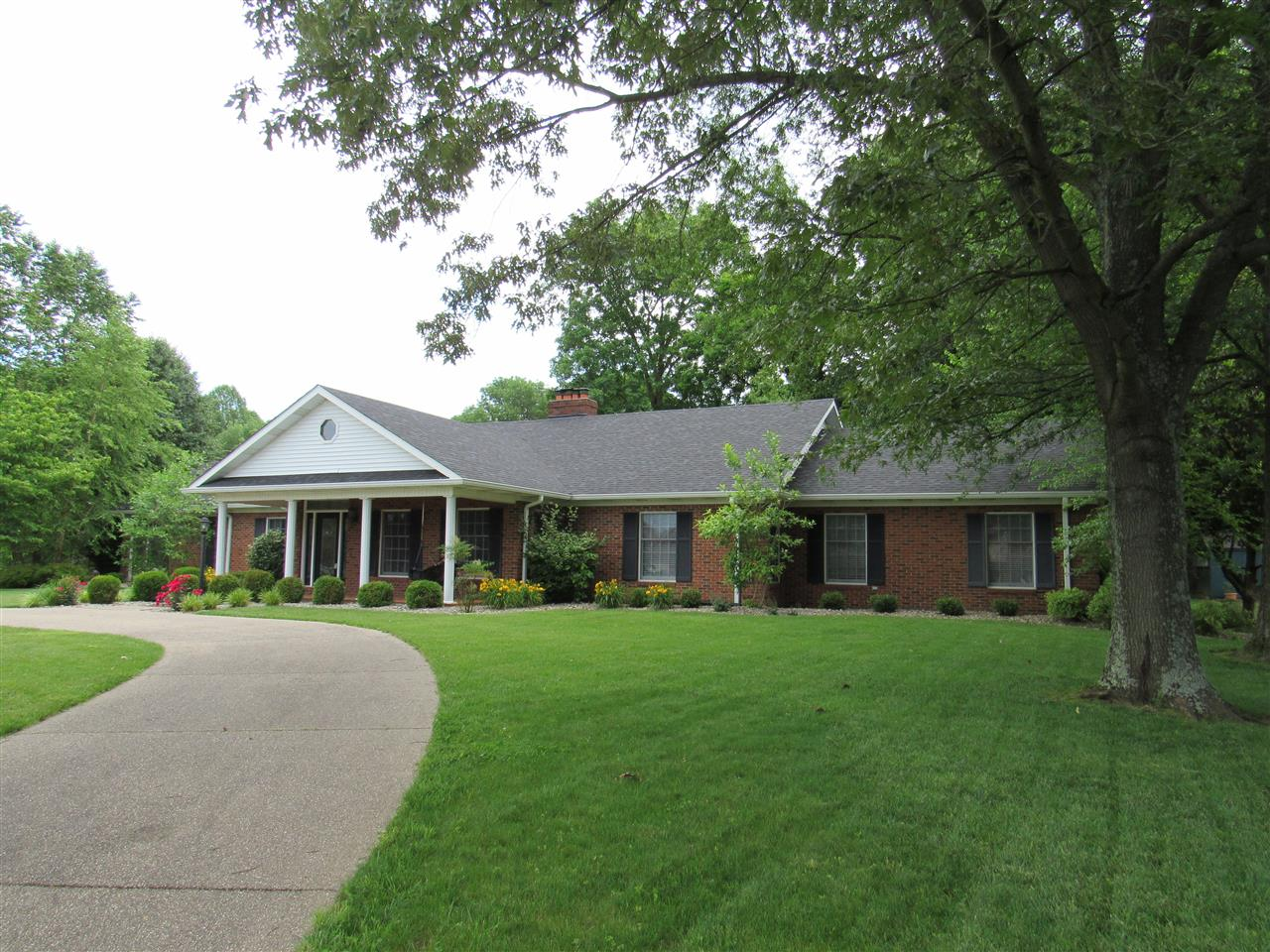 803 Freeman Lake Road, ELIZABETHTOWN, KY 42701