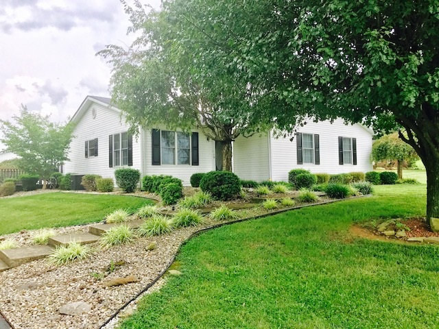 900 Whitewood Road, CAMPBELLSVILLE, KY 42743