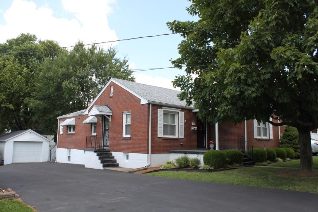 214 Village Drive, ELIZABETHTOWN, KY 42701