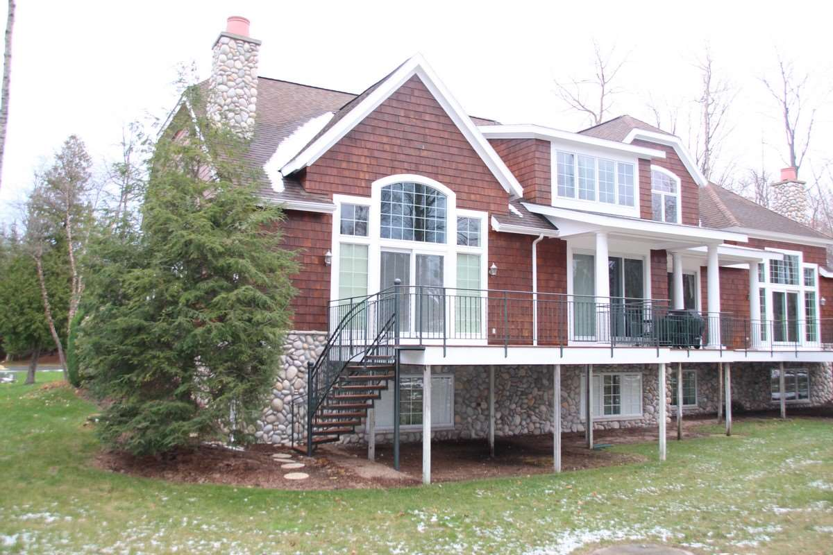 6717 Cottage Court, Bay Harbor, MI 49770