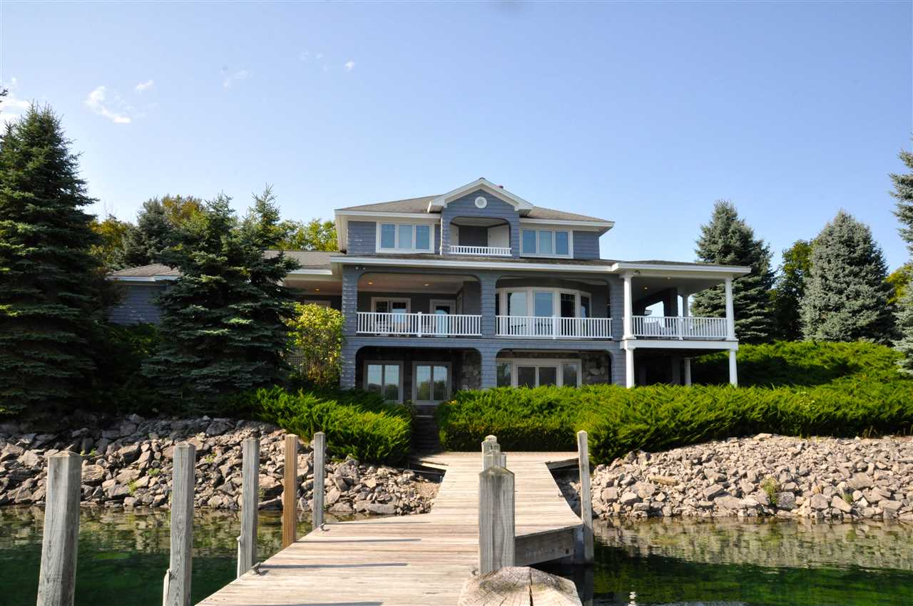1201 Shores Drive, Bay Harbor, MI 49770