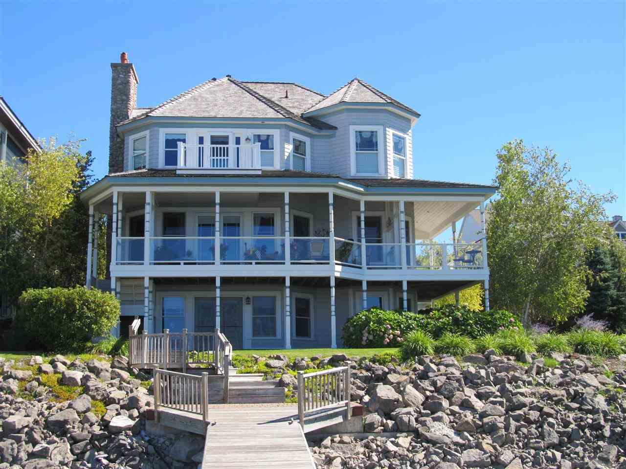 900 & 910 Vista Drive, Bay Harbor, MI 49770