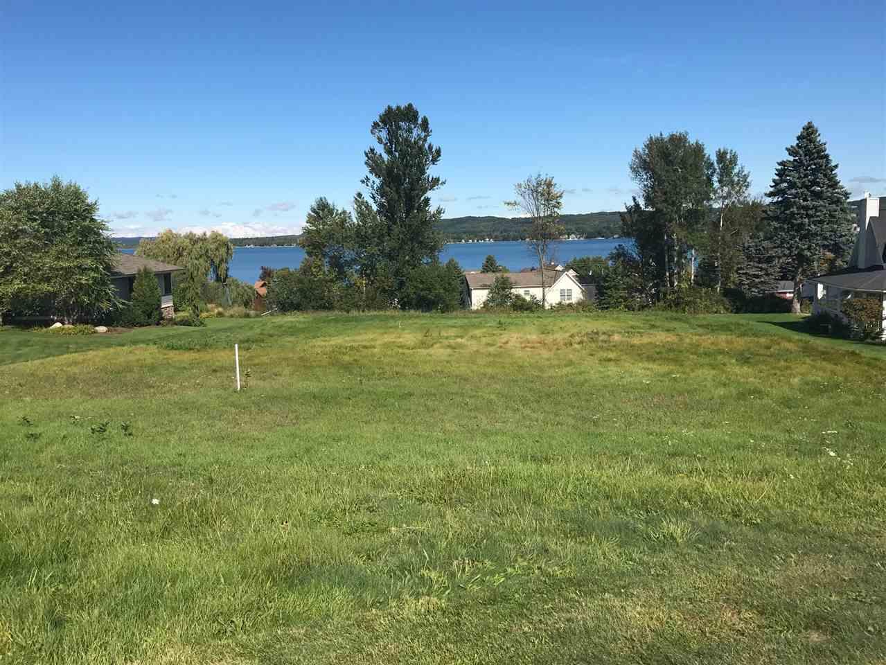1031 Lakeview Drive, Boyne City, MI 49712