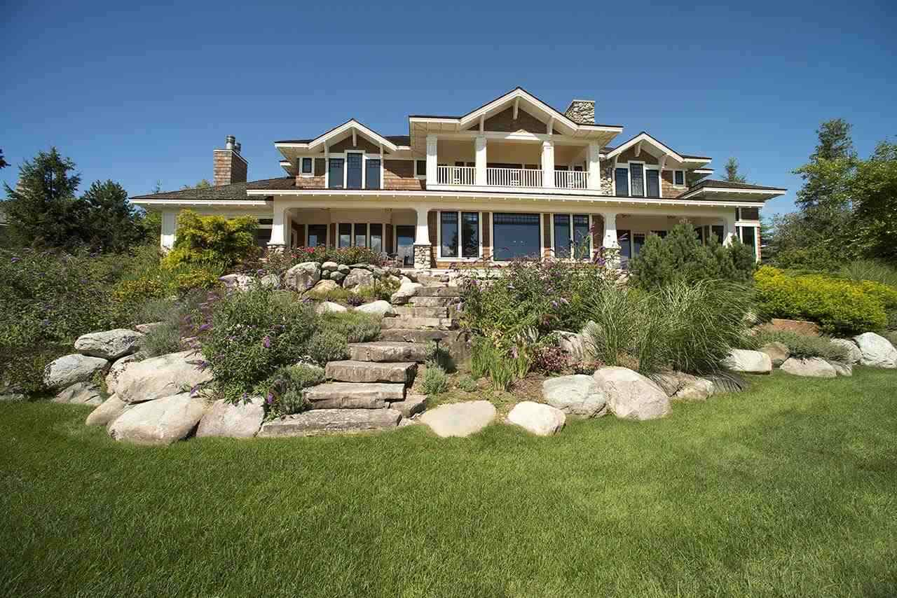 07535 Oyster Bay Drive, Charlevoix, MI 49720