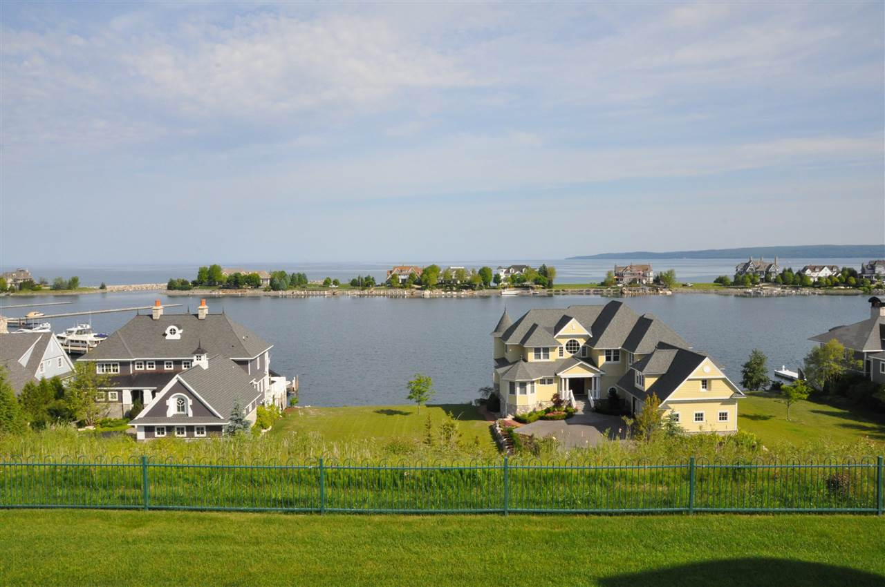 4128 Harborview Ridge, Bay Harbor, MI 49770