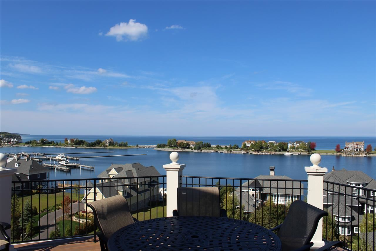 4088 Harborview Ridge, Bay Harbor, MI 49770