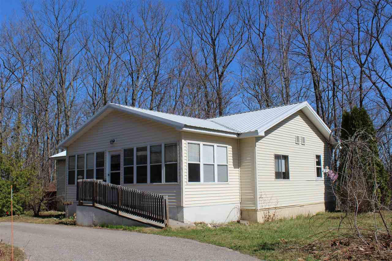 4292 Commanchee Road, Indian River, MI 49749