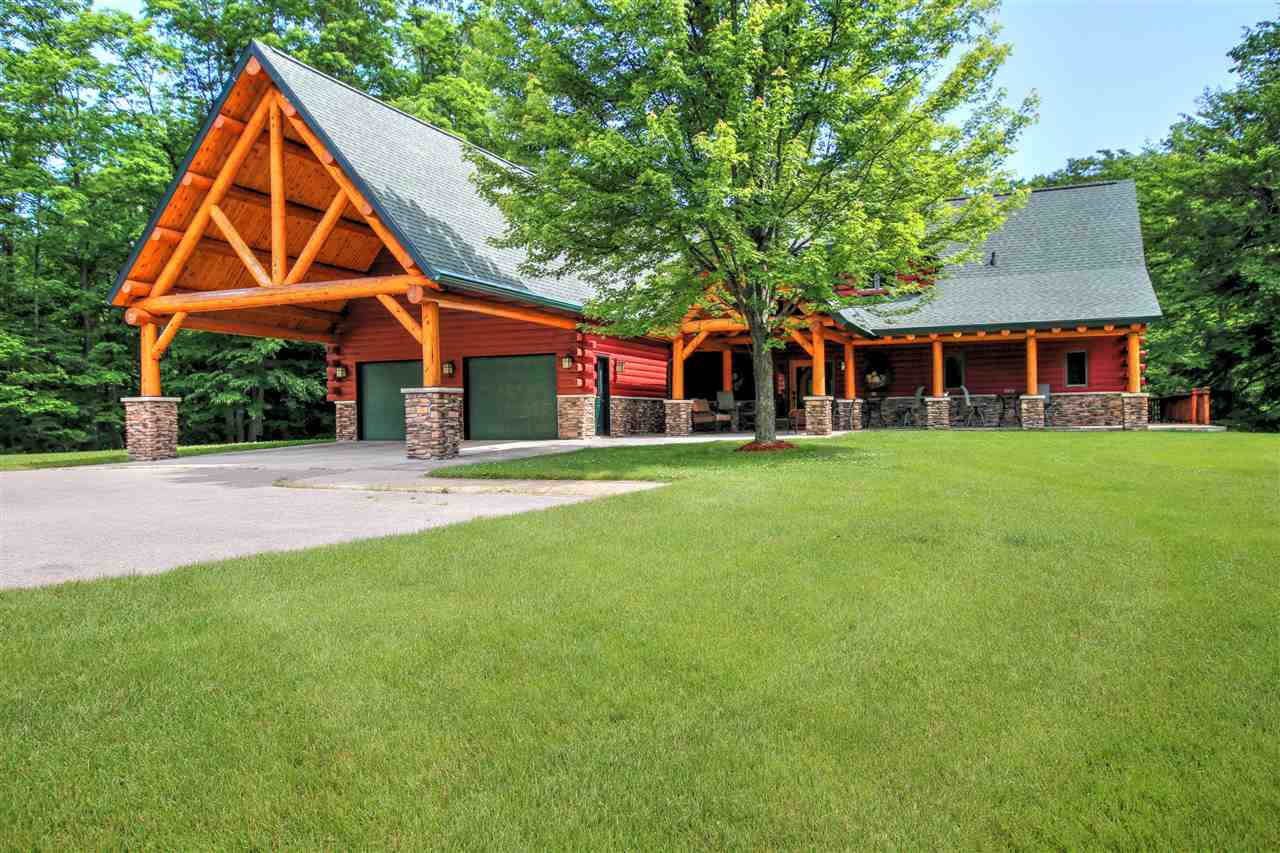 4861 Lake Grove Road, Petoskey, MI 49770