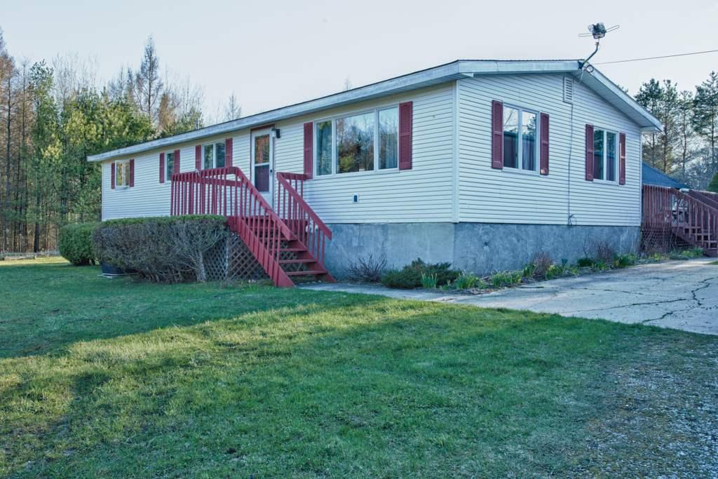 6438 Pickerel Lake Road, Petoskey, MI 49770