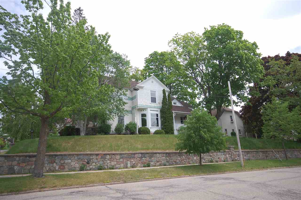 704 E Lake Street, Petoskey, MI 49770