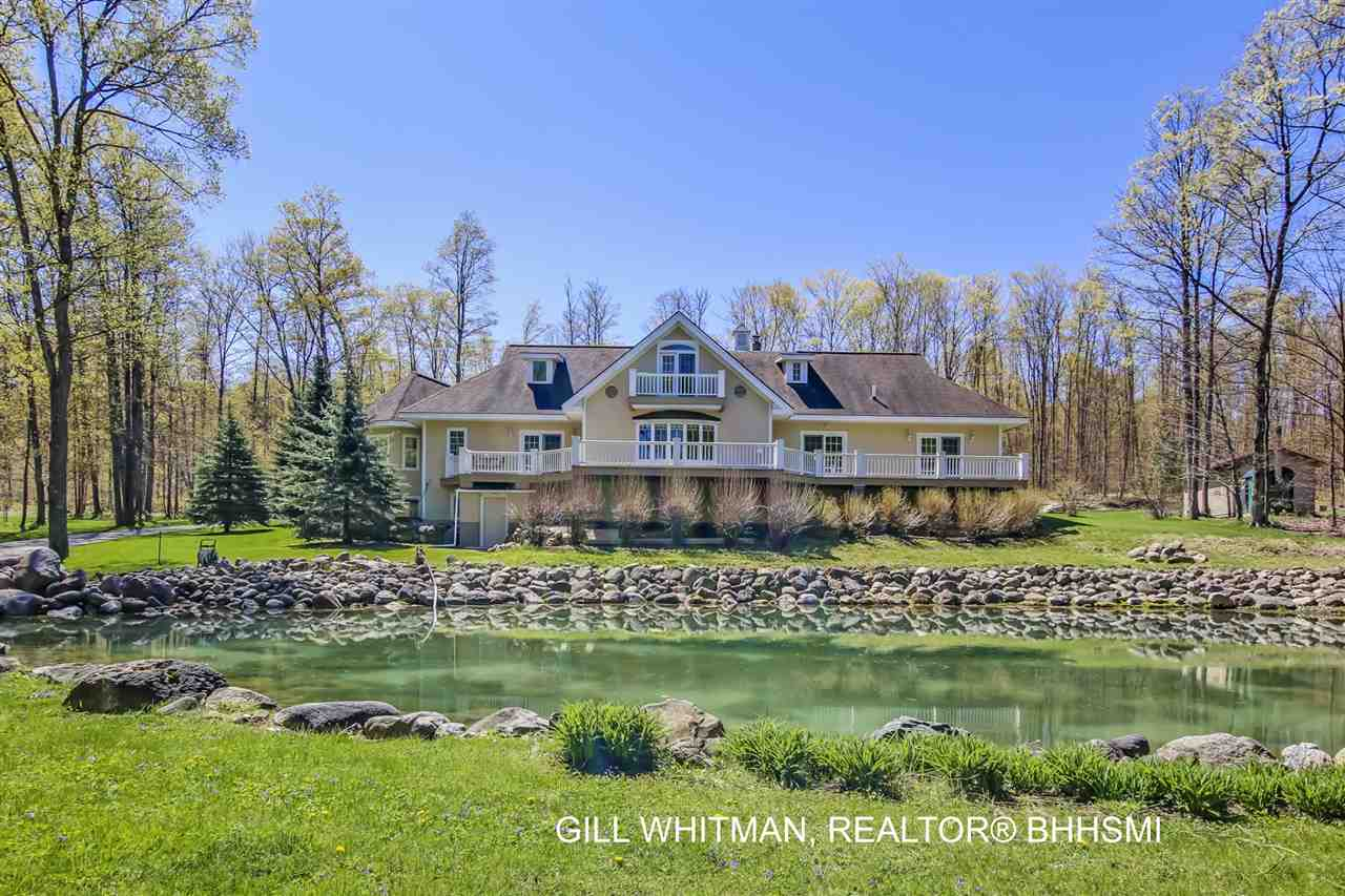 399 S Ellsworth Road, Petoskey, MI 49770