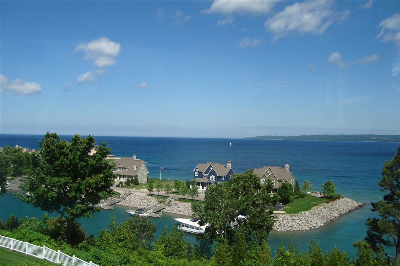3268 Cliffs Drive, Bay Harbor, MI 49770