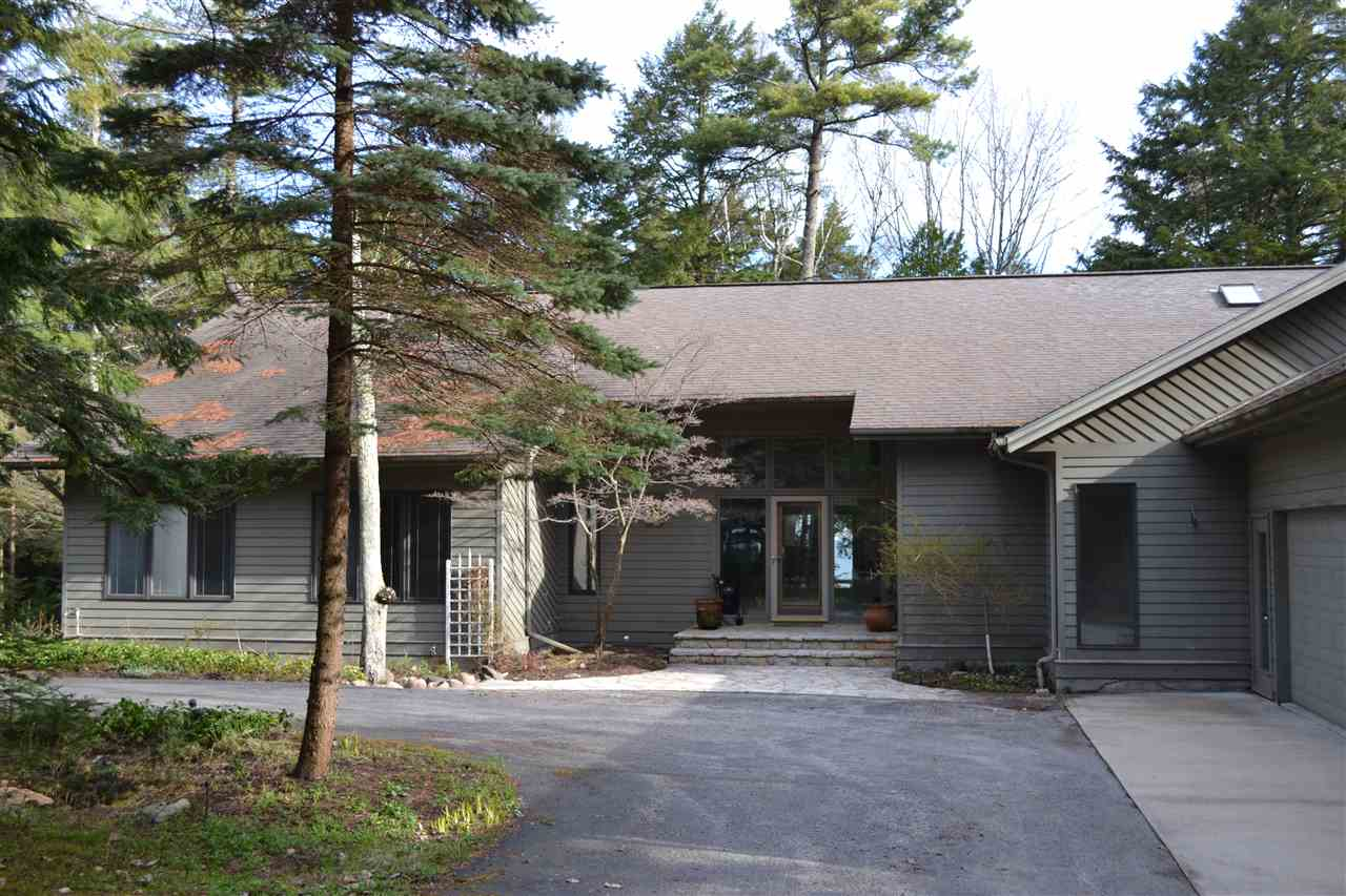 12275 Meanderline Rd., Charlevoix, MI 49720