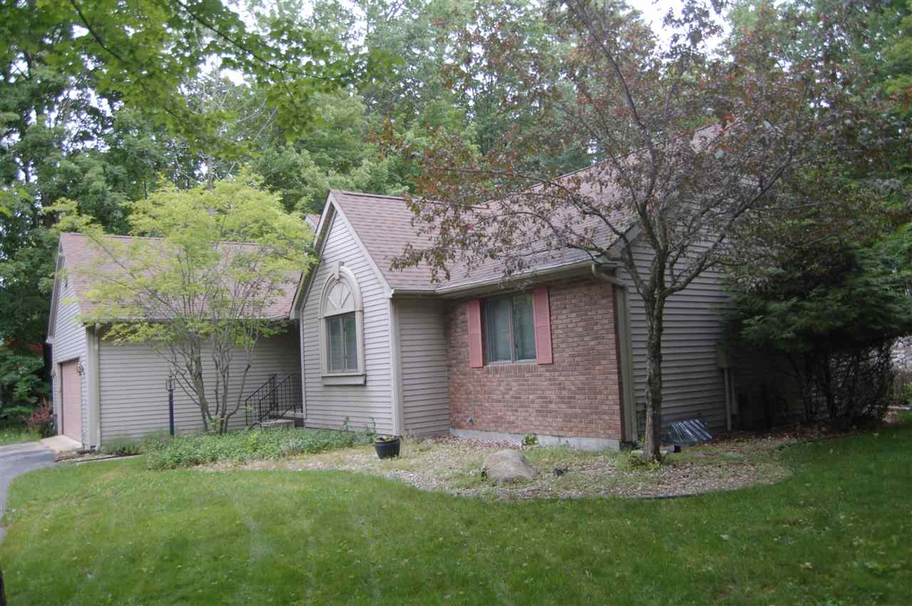 09370 Old Orchard, Charlevoix, MI 49720