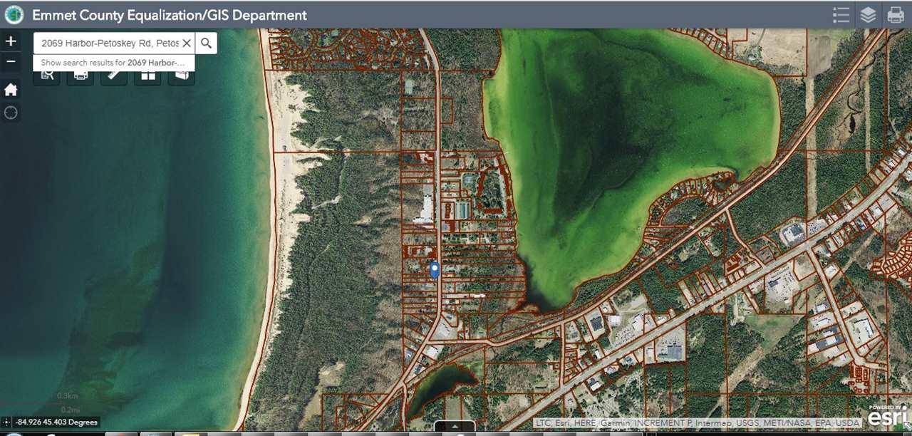 2069 Harbor Petoskey, Petoskey, MI 49770