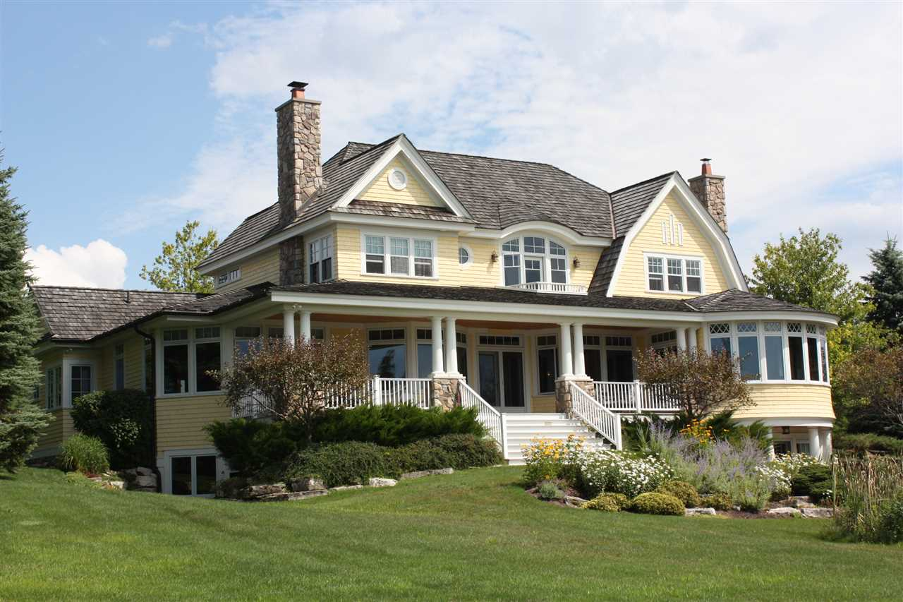 07575 Oyster Bay Drive, Charlevoix, MI 49720