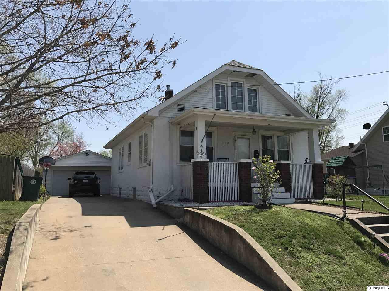 923 S 17th, Quincy