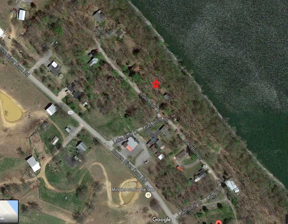 Lake Bluff Rd