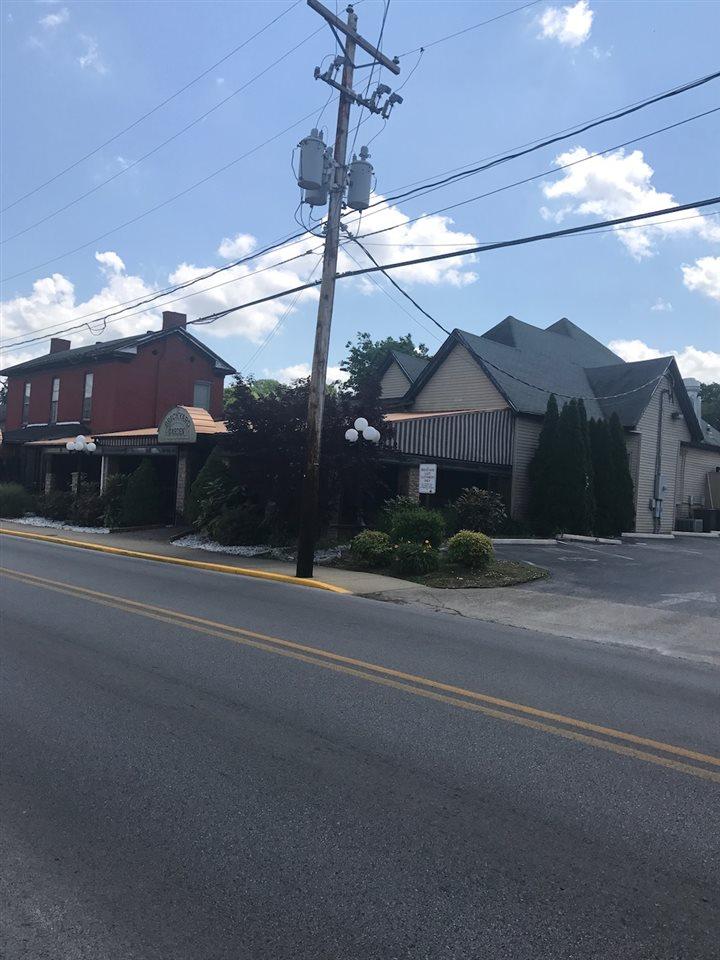 1026-1028 Chestnut Street