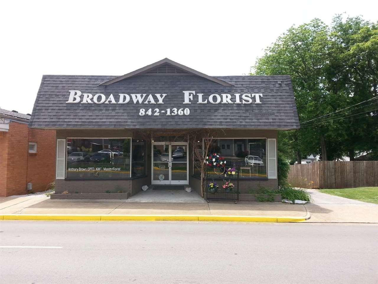 923 Broadway Avenue