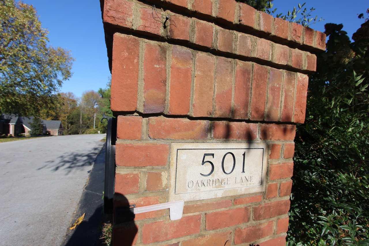 501 Oakridge Lane