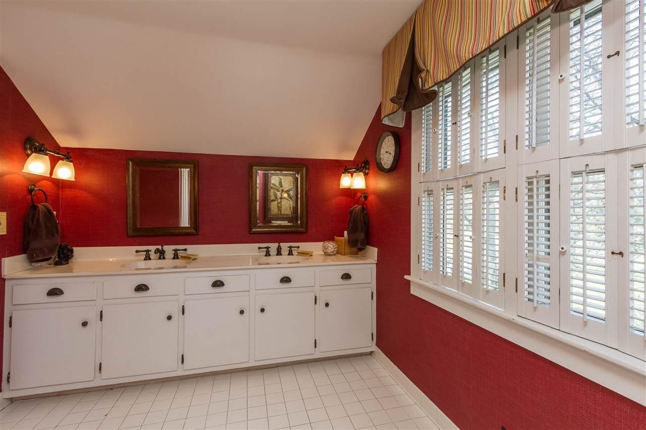 2501 Smallhouse Rd