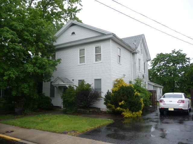 110 Mechanic St - Picture 1