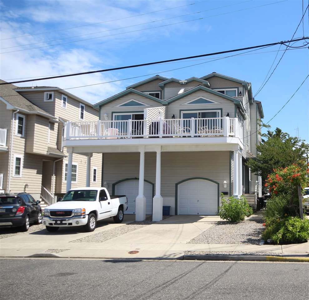 213 E 33rd Street - Picture 1