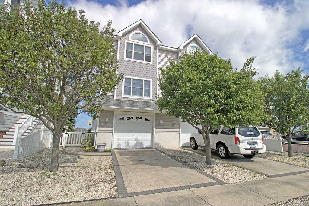 3248 Ocean Drive - Picture 1