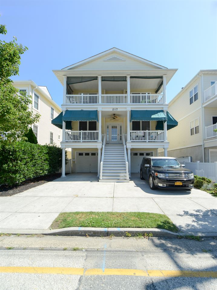 217, Top Floor Pine, Wildwood