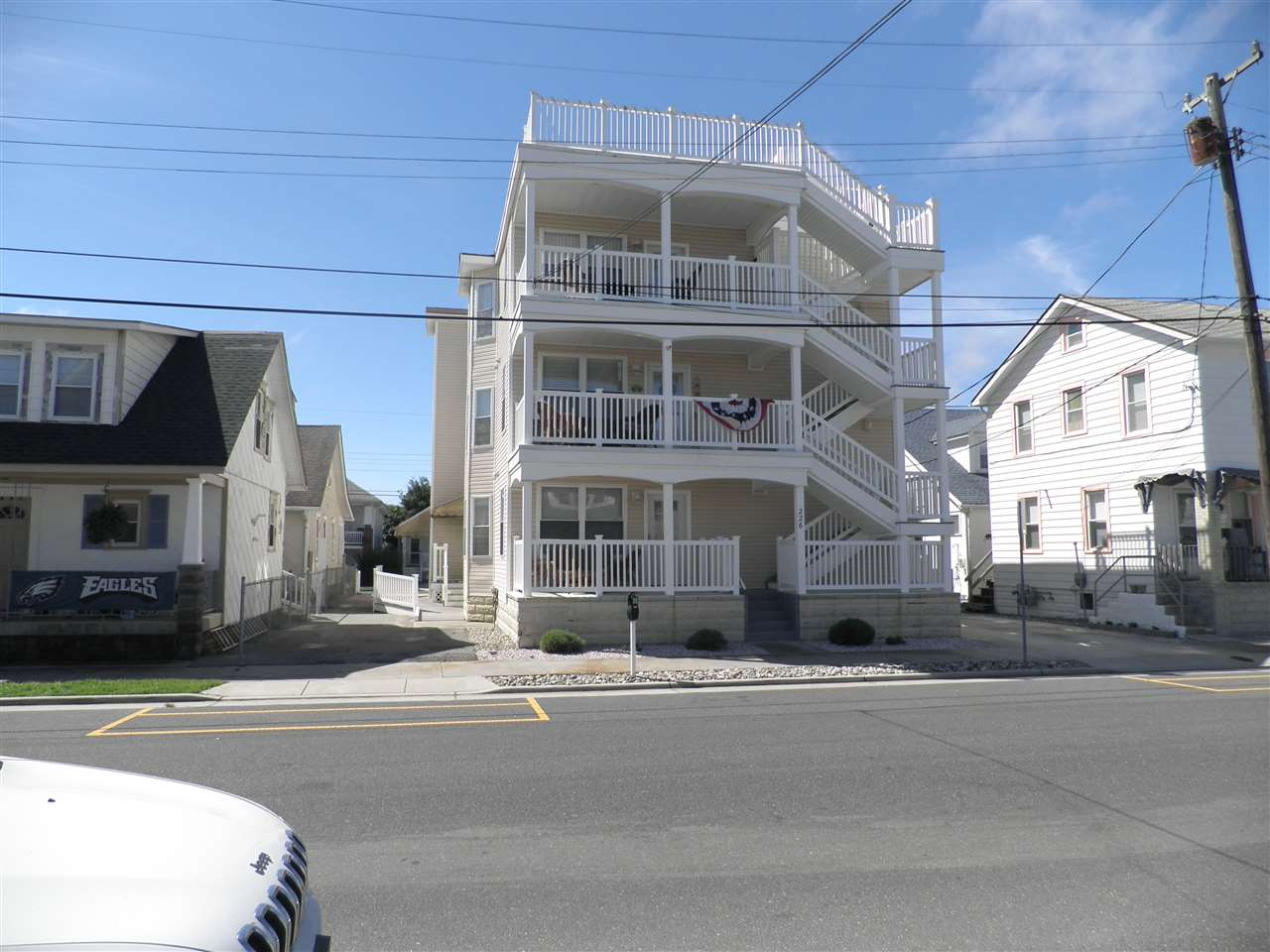 225 E Juniper Avenue - Wildwood