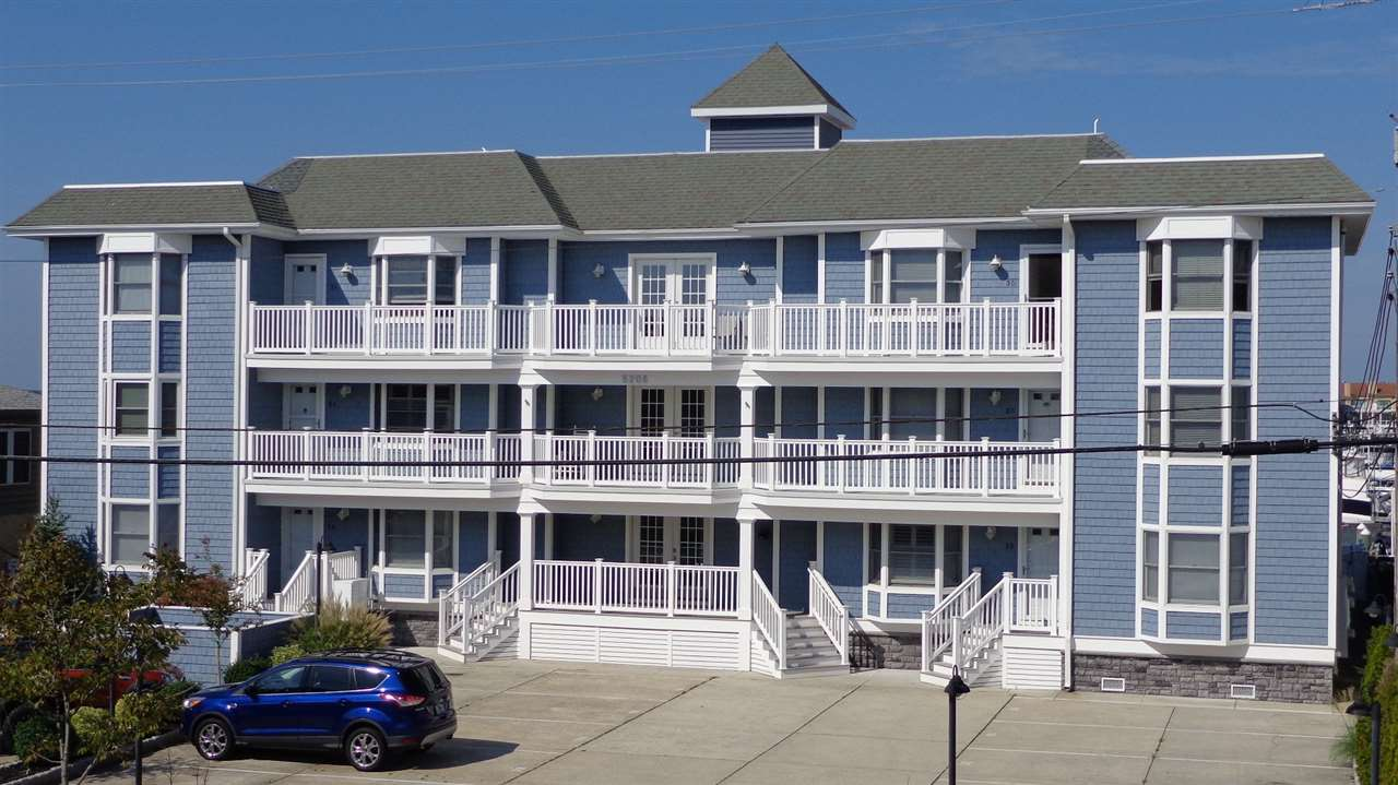 5208 Lake Rd Unit 2D, Wildwood