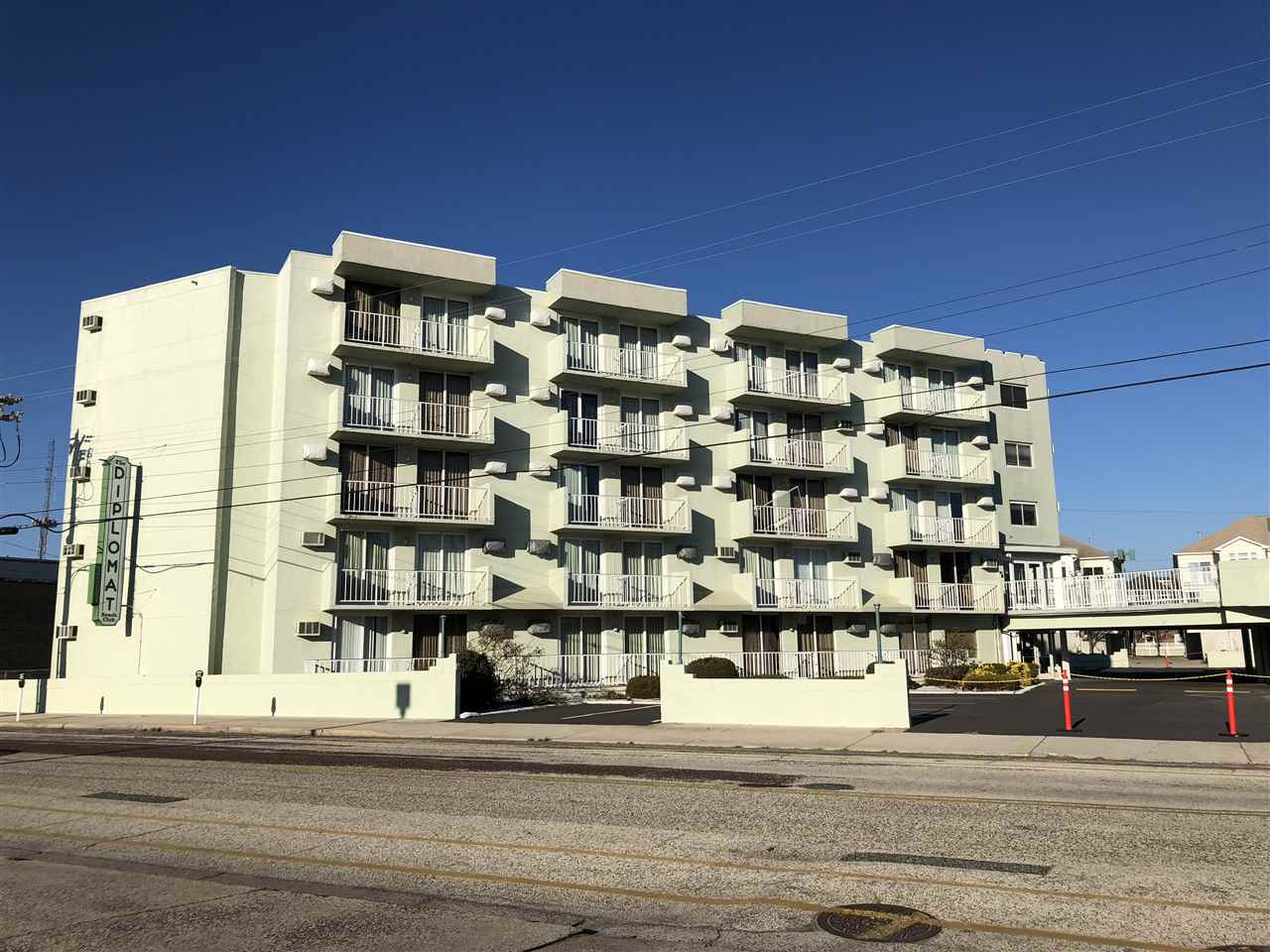 225, Unit 320 Wildwood, Wildwood
