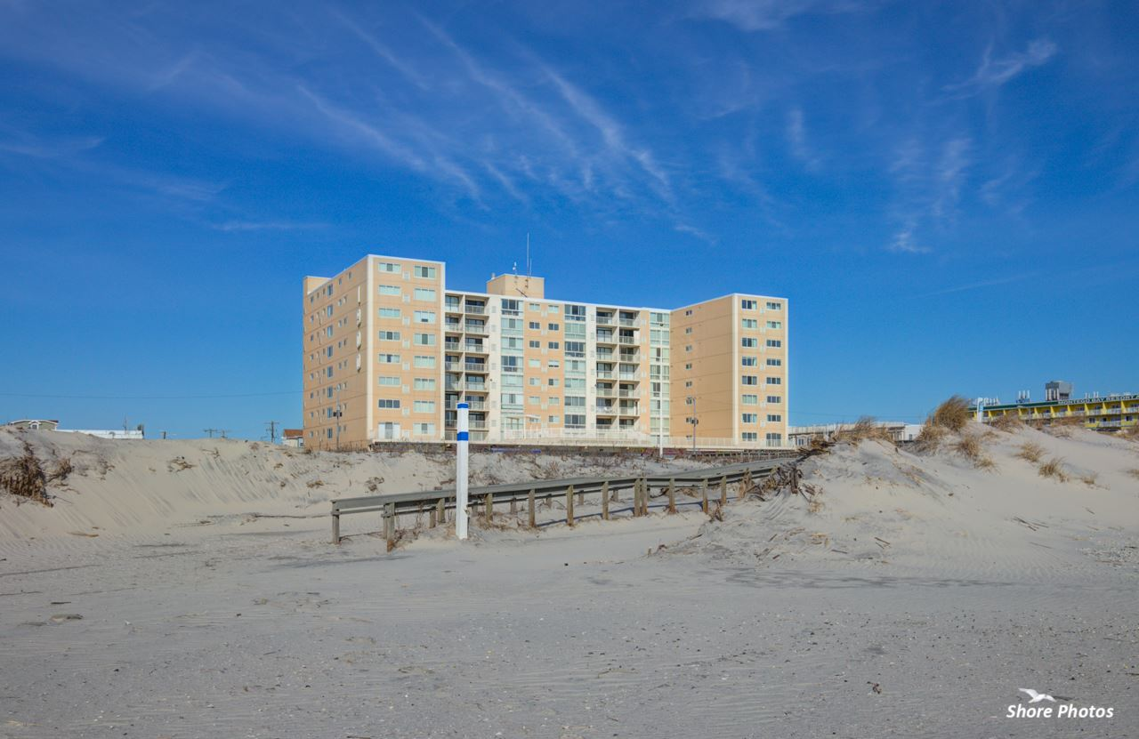 1900, 605 / Corner Boardwalk, North Wildwood