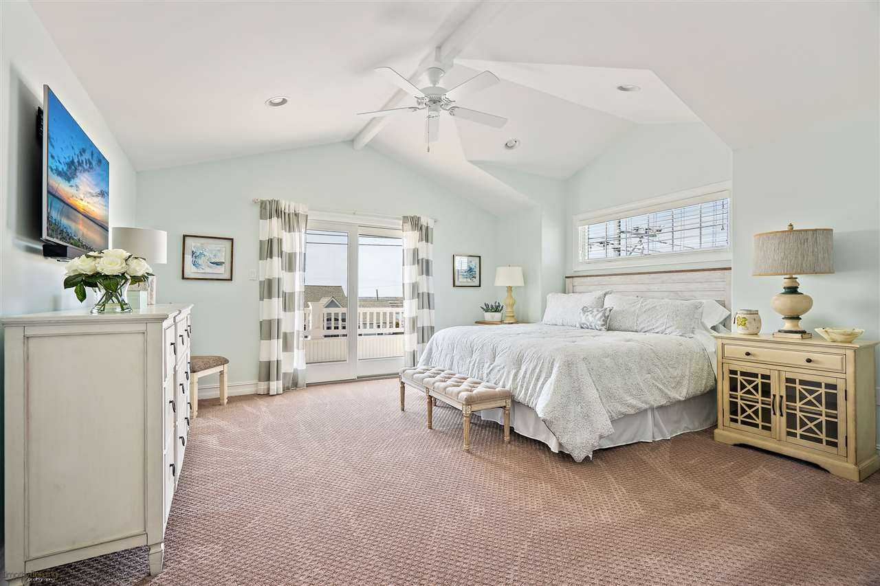 6043 Ocean Drive - Picture 22
