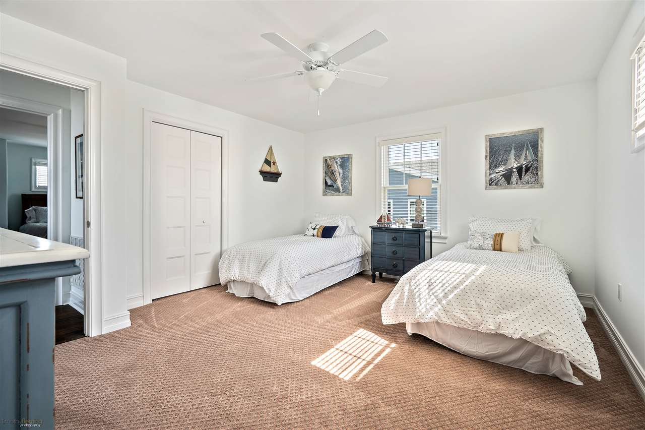 6043 Ocean Drive - Picture 10