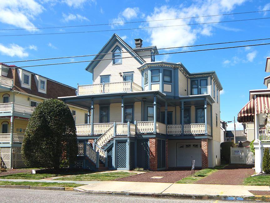 825 Stockton Avenue - Cape May