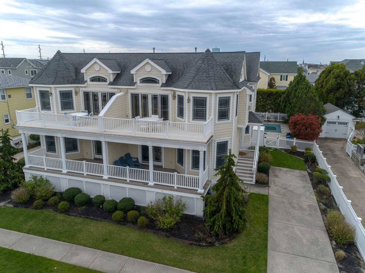 263 89th, Stone Harbor